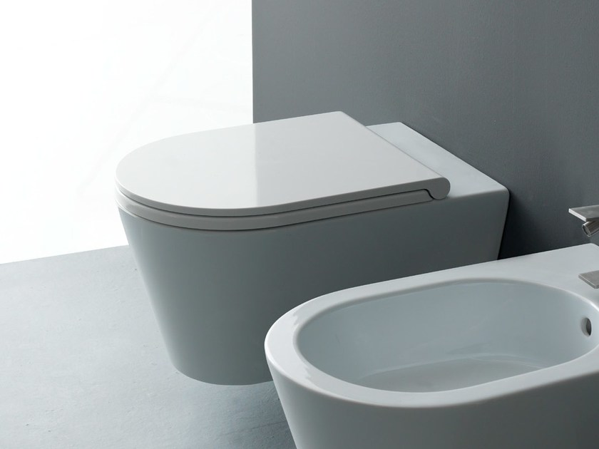 Wall-hung ceramic toilet ICON ROUND | Wall-hung toilet by Alice Ceramica