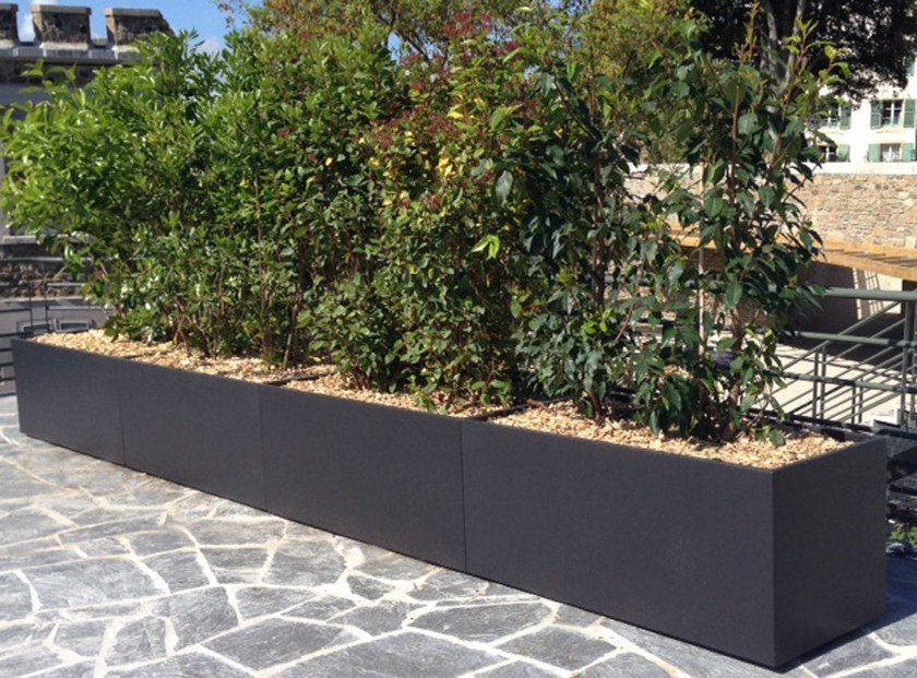 jardini re en fibre ciment image 39 in trapezoidal bespoke planter by image 39 in by atelier so green. Black Bedroom Furniture Sets. Home Design Ideas