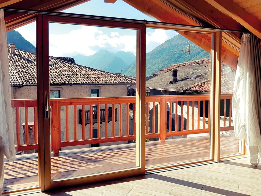 Wooden lift and slide window IMAGO by Alpilegno