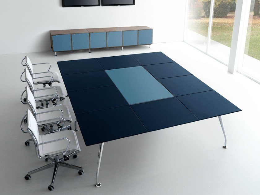 Square leather meeting table INFINITY | Square meeting table - Quinti Sedute