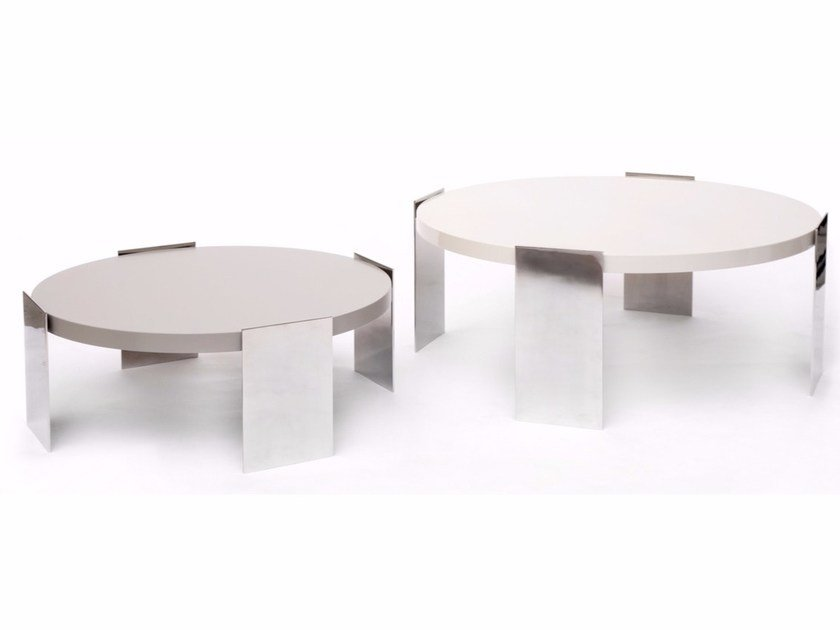 Lacquered side table IVE | Lacquered coffee table by HMD INTERIORS