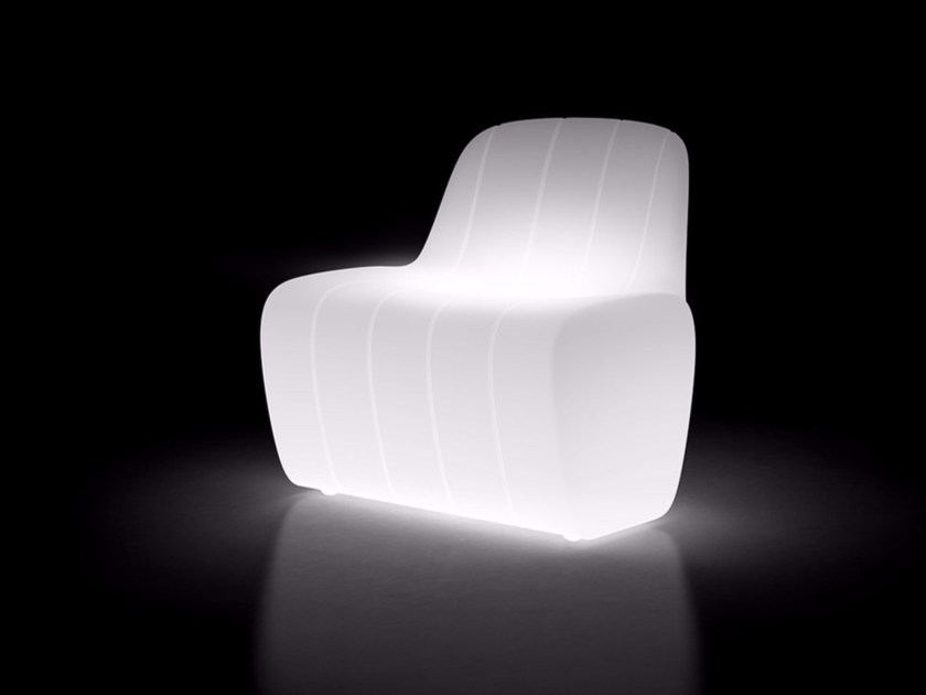 Poltrona da giardino luminosa in polietilene JETLAG CHAIR LIGHT by Plust