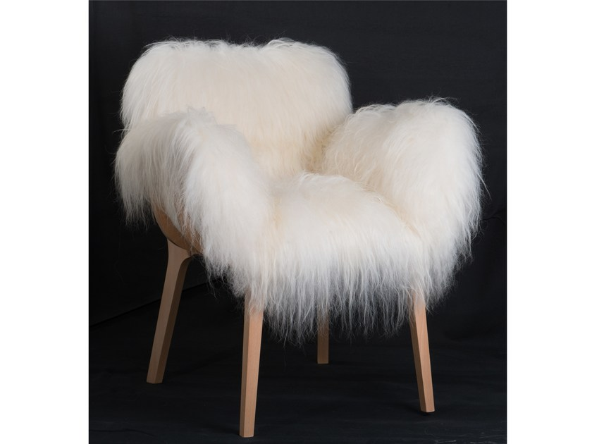 Fur easy chair with armrests KAGO | Fur easy chair by Perrouin