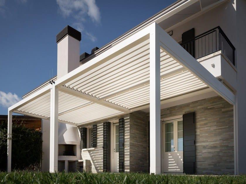 Pergolato addossato in alluminio a lamelle orientabili con illuminazione KEDRY A - KE Outdoor Design