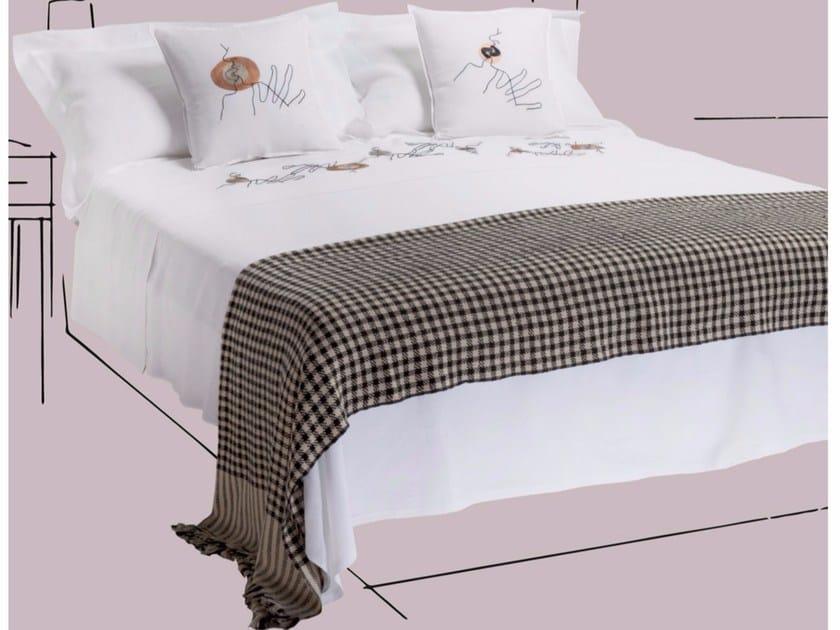 Embroidered linen bedding set KISS | Embroidered bedding set - sans tabù