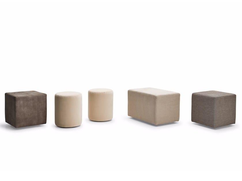 Fabric pouf KUBO by Varaschin