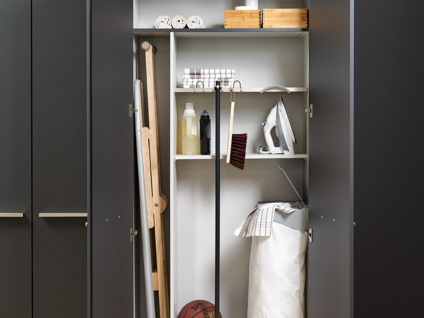Tall laundry room cabinet with hinged doors Laundry room cabinet - LEICHT Küchen