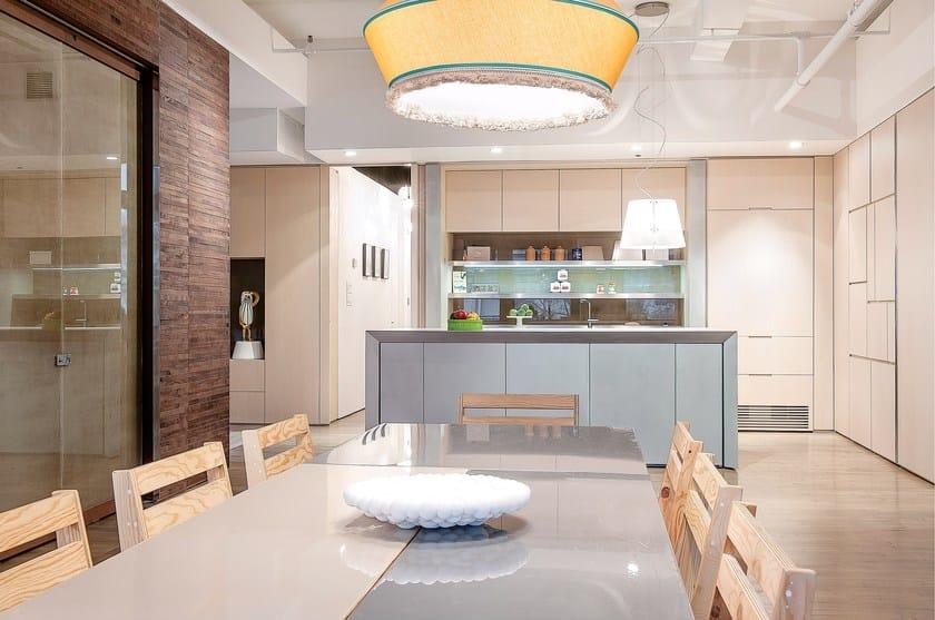Cucina con isola in ecomalta cemento Cucina senza maniglie - TM Italia Cucine