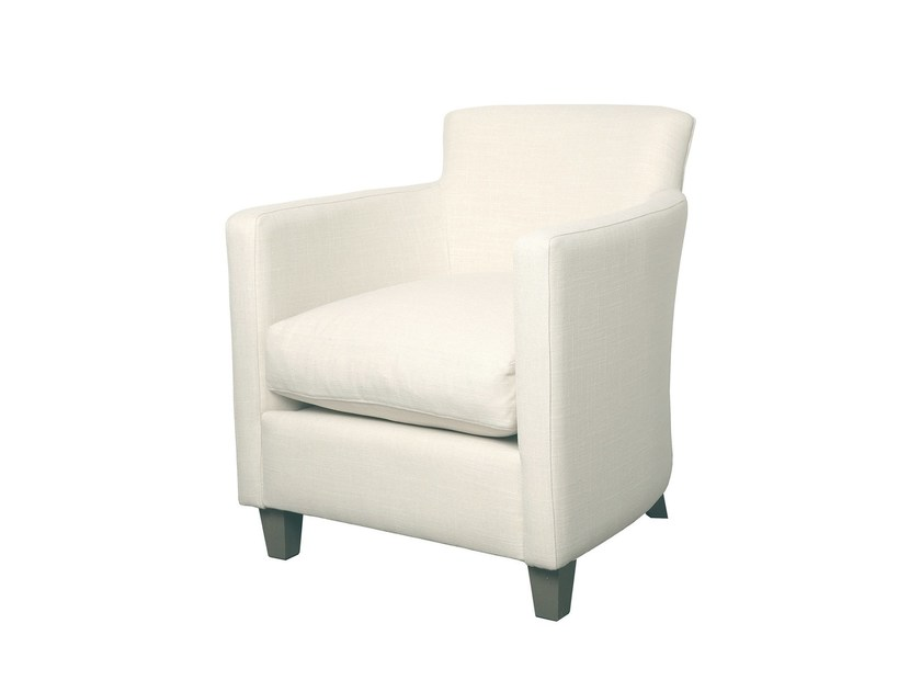 Fabric armchair with armrests LAGOS by Branco sobre Branco