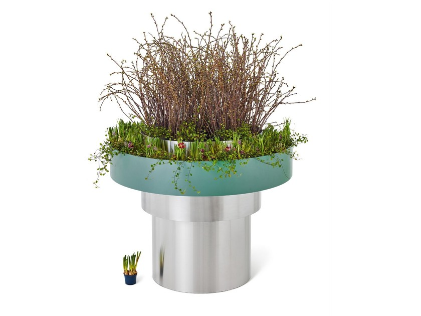 Powder coated steel Flower pot LAMELL - Nola Industrier