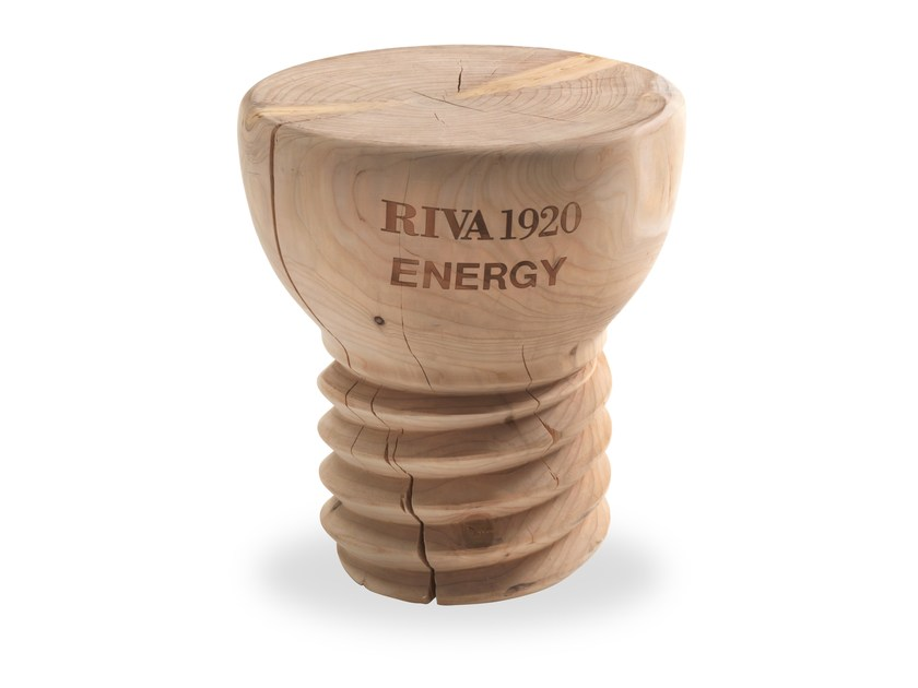 Low cedarwood stool LAMPADINA | Stool by Riva 1920