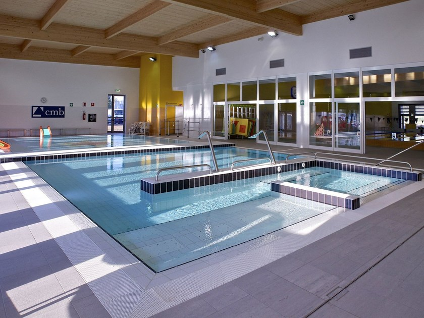 Rivestimento piscine in gres porcellanato smaltato for Casalgrande padana piscine
