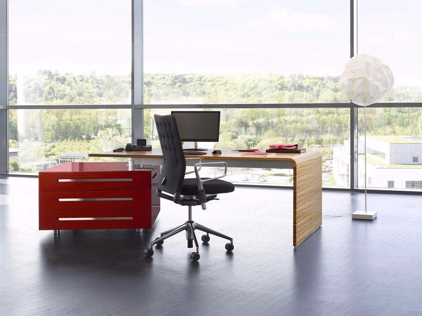 Rectangular wooden executive desk LANE | Office desk with drawers by RENZ
