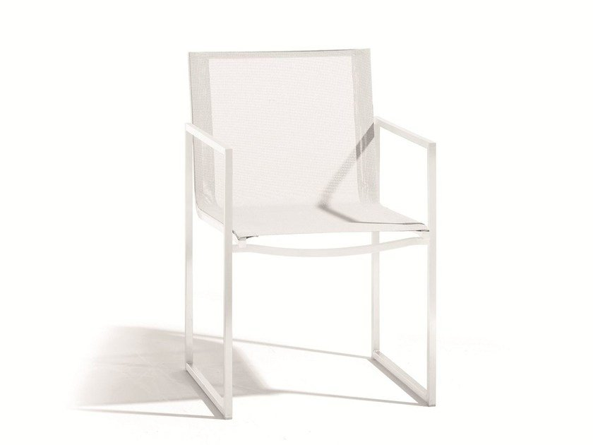 Steel garden chair with armrests LATONA | Armchair by MANUTTI