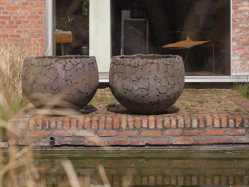 Terracotta garden vase LAVA by Domani