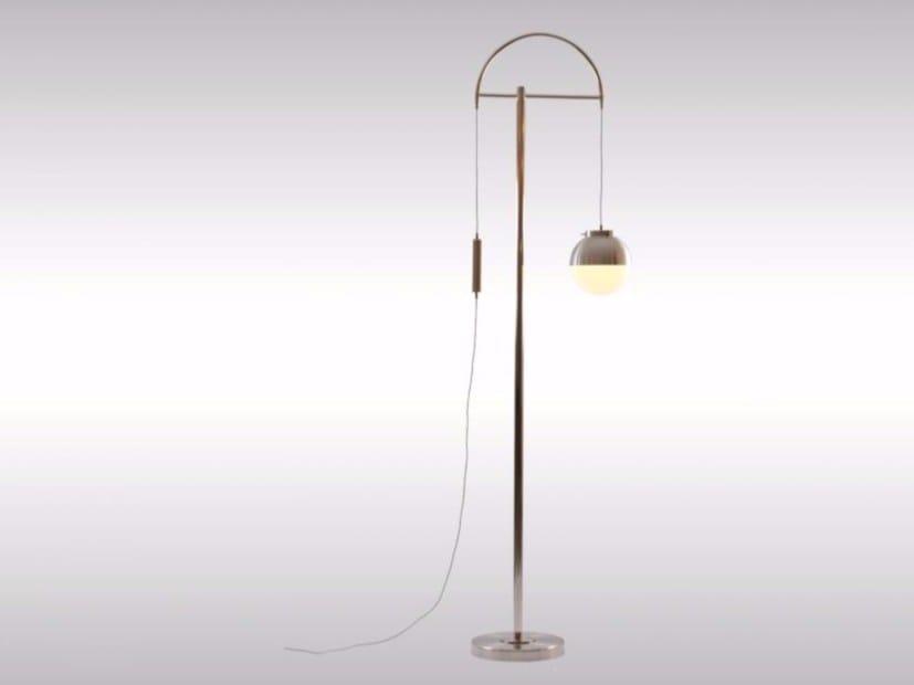 Height-adjustable brass floor lamp LIFT HOHE STEHLAMPE - Woka Lamps Vienna