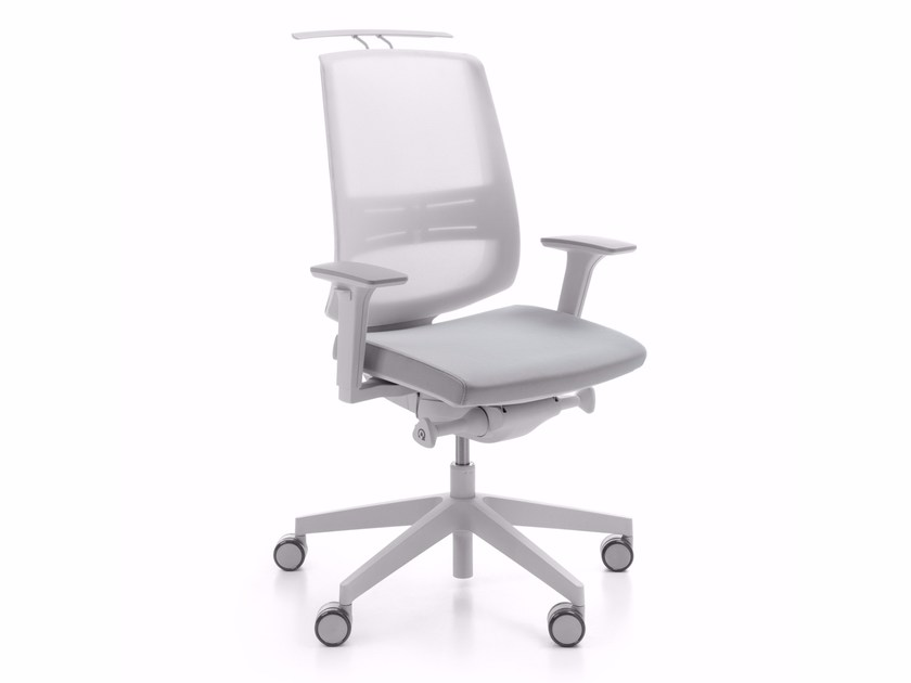 Task chair with 5-Spoke base with armrests LIGHTUP 250SFL by profim