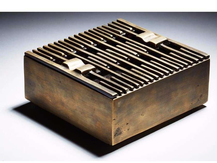 Bronze ashtray LINES by Reda Amalou