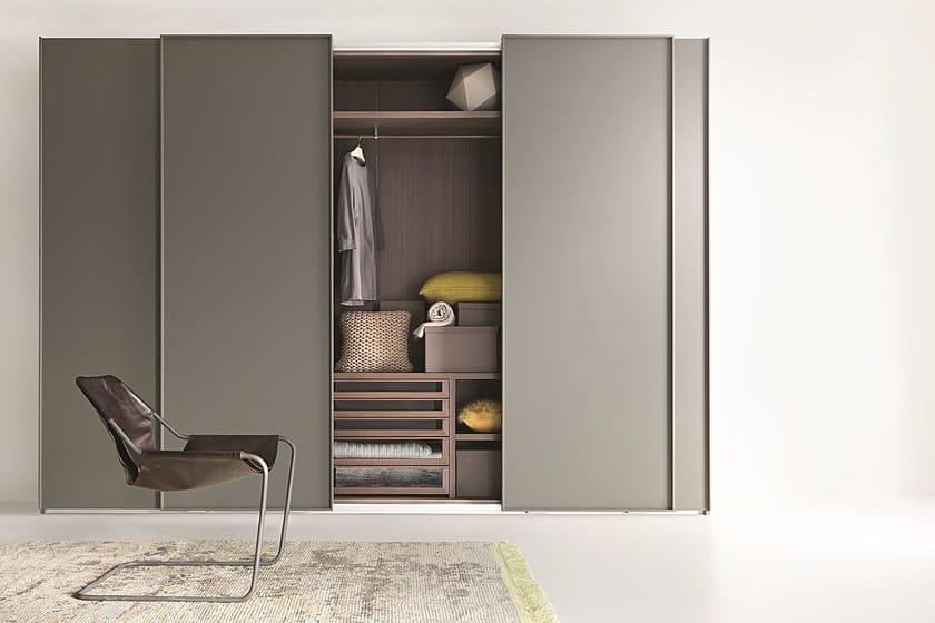 Wardrobe with sliding doors custom LISCIA | Wardrobe with sliding doors - Lema