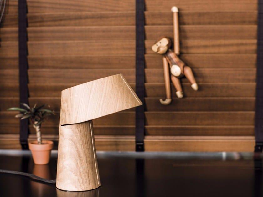 LED wood veneer desk lamp LITTLE P - Schönbuch