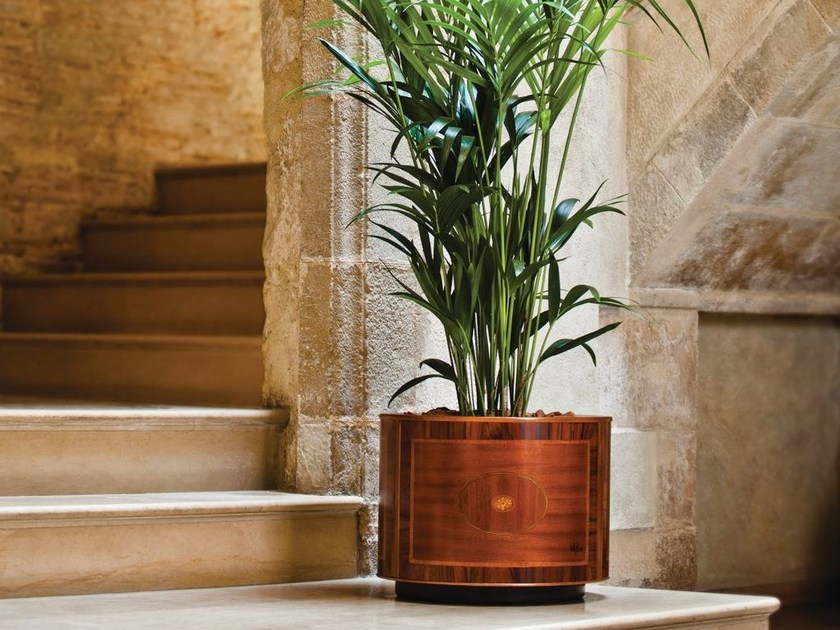 Round wood veneer plant pot with automatic watering LONDON | Round plant pot by Hobby Flower