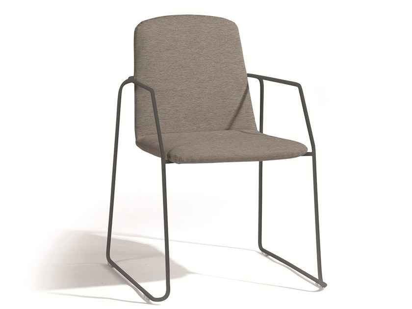 Stackable fabric garden chair with armrests LOOP | Chair with armrests by MANUTTI