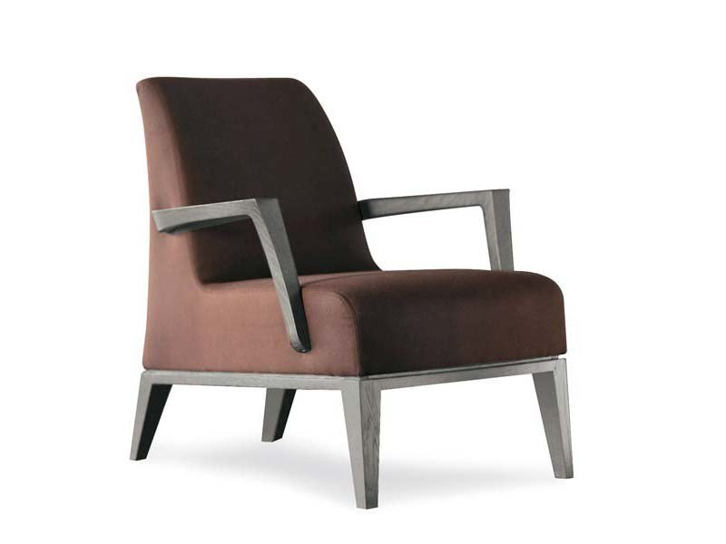Upholstered armchair with armrests LUNA | Armchair with armrests - Potocco