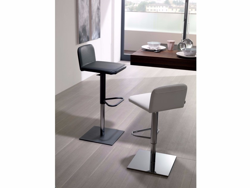 Upholstered leather counter stool LUNETTE | Counter stool - Ozzio Italia