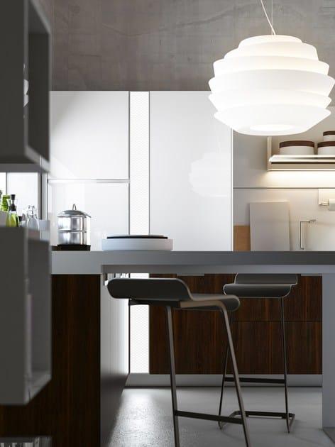 Cucina componibile laccata con penisola lux cucina con - Cucina particolare ...