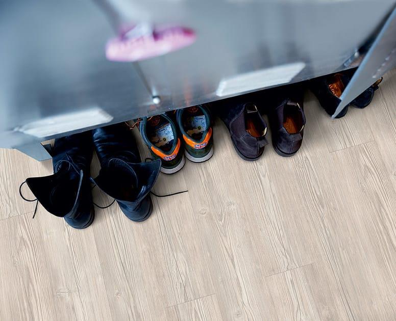 Pavimento in vinile effetto legno pino chalet grigio for Piani chalet svizzero