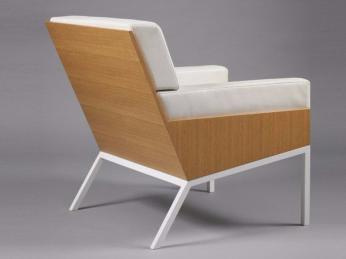 Upholstered leather armchair with armrests Lounge chair 1 by Alex de Rouvray