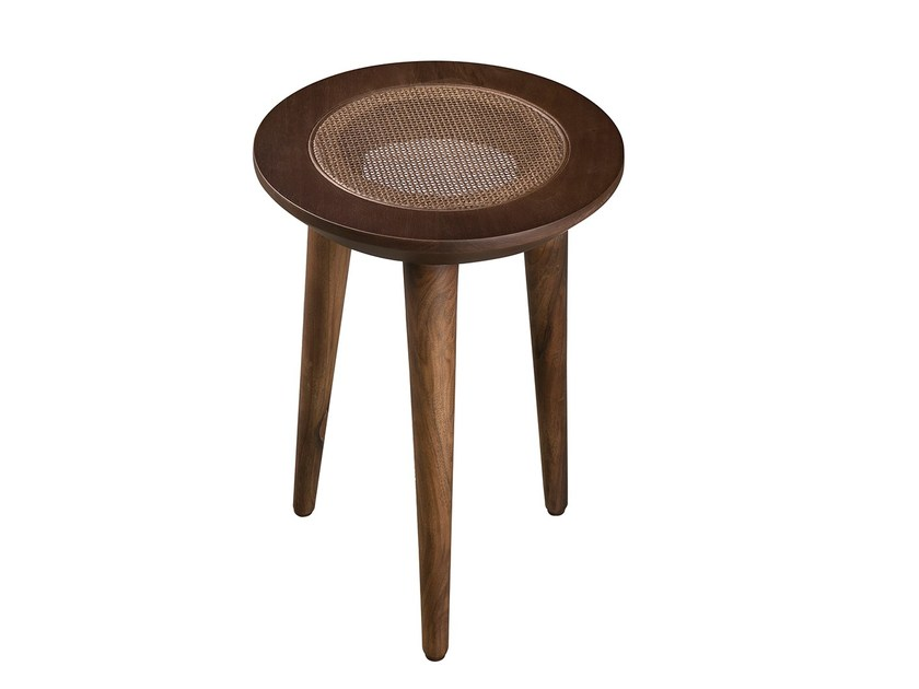 Low walnut stool MÚRICE - Branco sobre Branco