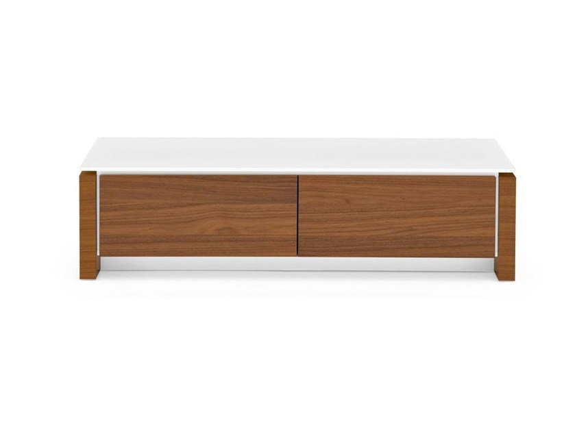 Free standing lacquered chest of drawers MAG | Chest of drawers by Calligaris
