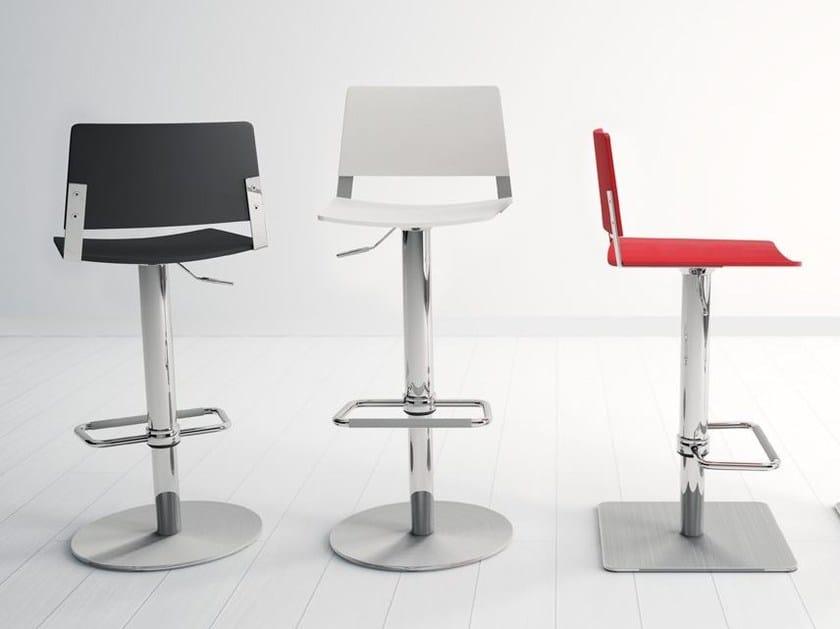 Height-adjustable stool MAGIC by CANCIO
