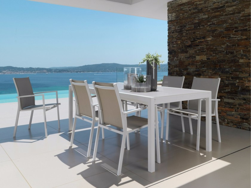 Extending glass garden table MAIORCA | Extending table - Talenti
