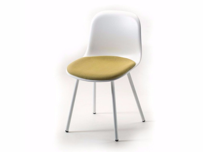 Stackable chair with integrated cushion MANI 4L PLUS by arrmet