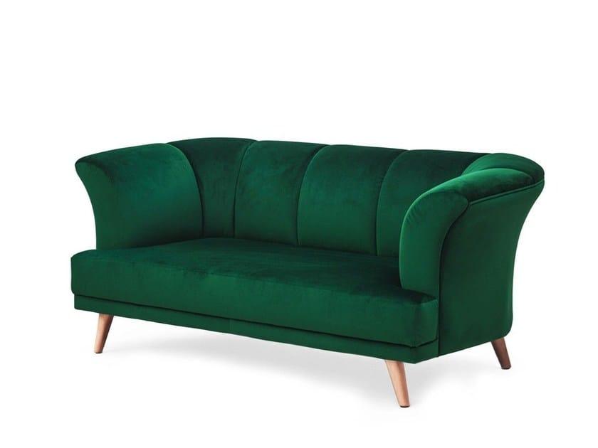Upholstered velvet sofa MARTINIQUE by Moanne