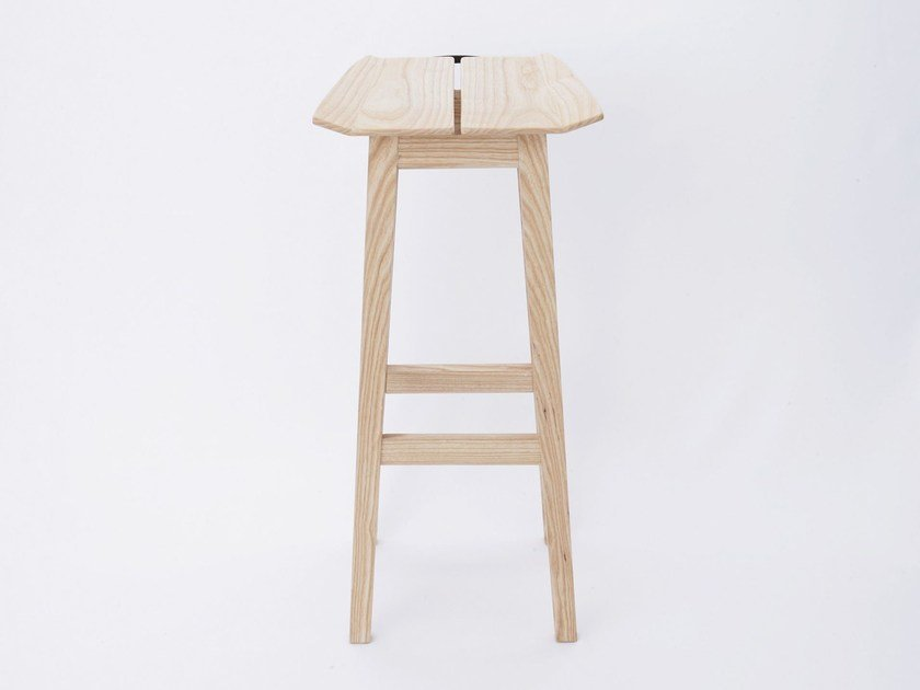 Wooden stool MARUMI | Stool by Design Bros