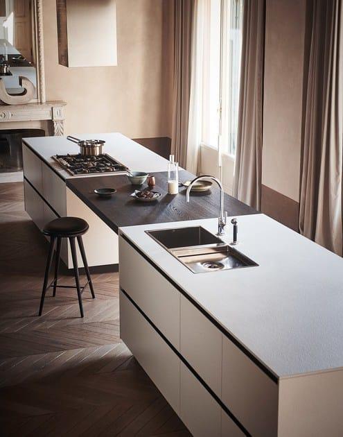 Bush hammered stoneware kitchen with island maxima 2 2 for Cesar arredamenti