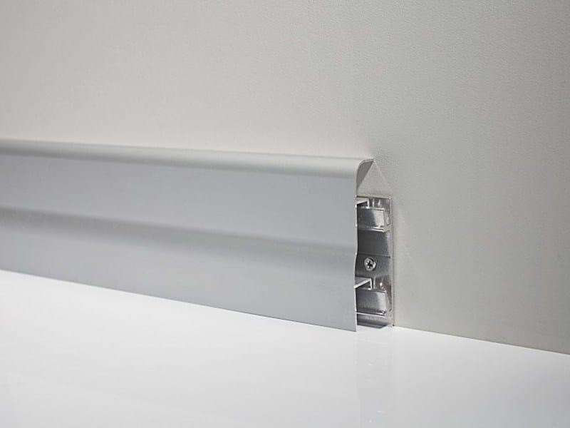 Metal Line 96/7 in silver anodised aluminium