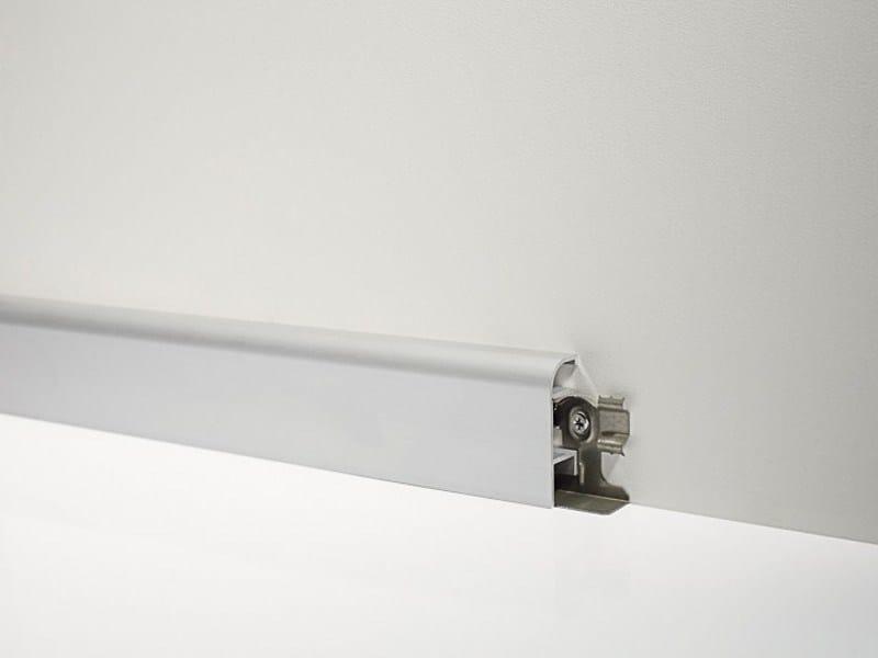 Metal Line 98/7SF in silver anodised aluminium + fixing clip