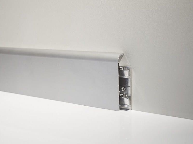 Metal Line 97/7SF in silver anodised aluminium + aluminium support