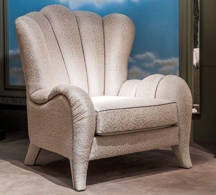 Classic style upholstered armchair METAMORFOSI | Upholstered armchair - Carpanelli Classic