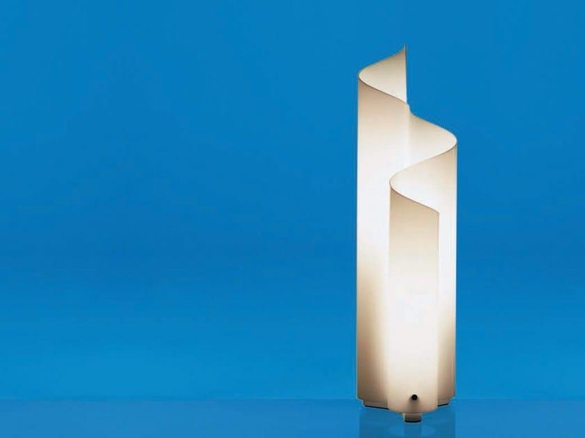 Halogen methacrylate table lamp MEZZACHIMERA by Artemide