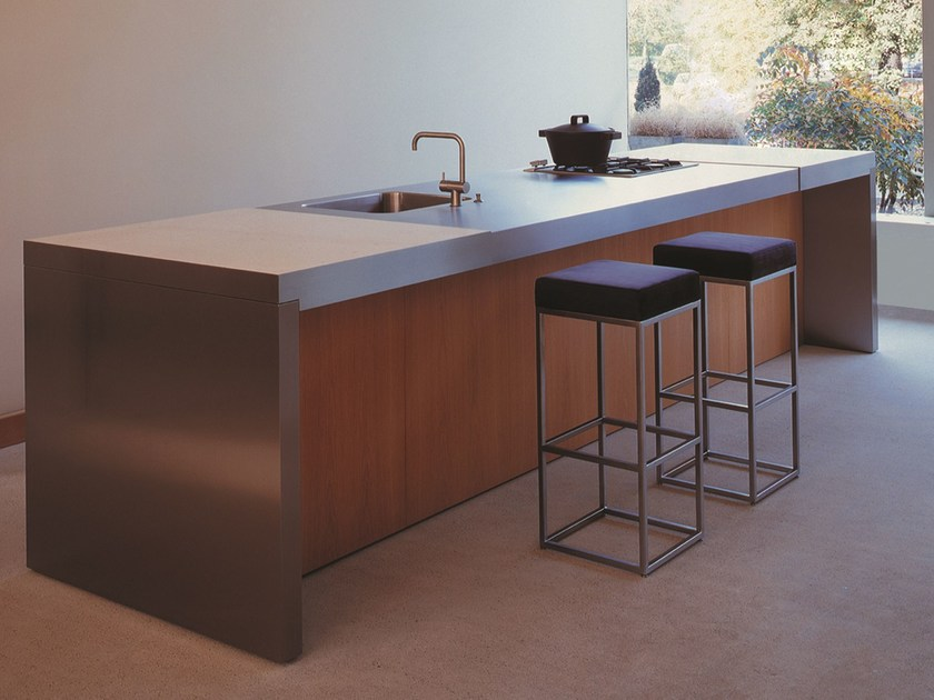 Steel and wood kitchen MG PROGR.031 by Strato Cucine
