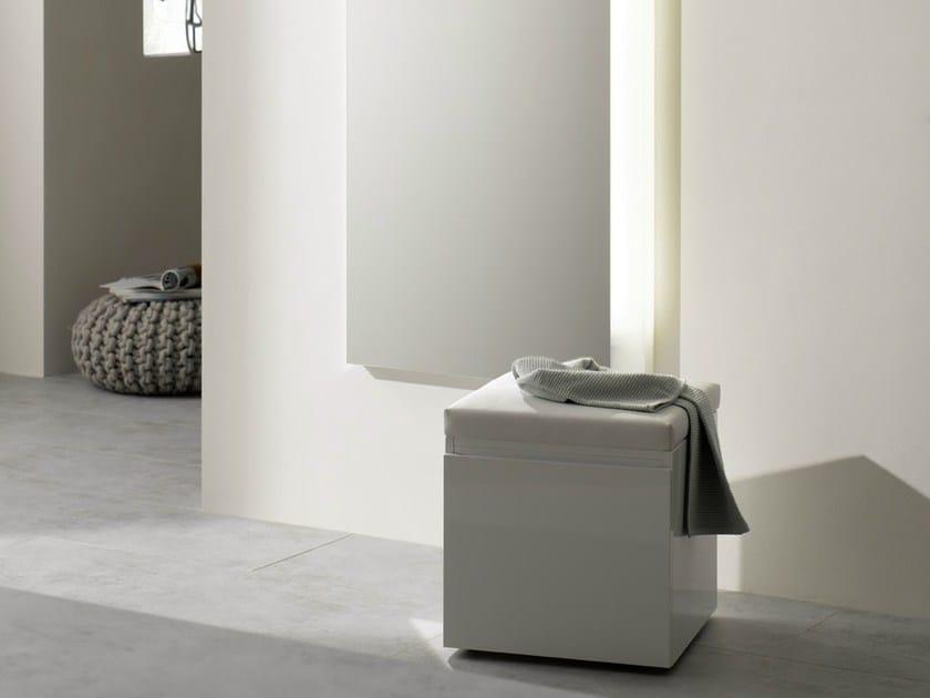 Sgabello per bagno in quercia mh sgabello per bagno in for Sgabello bagno design