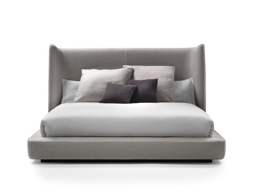 Letto con testiera alta midnight by mood by flexform - Testiera letto design ...