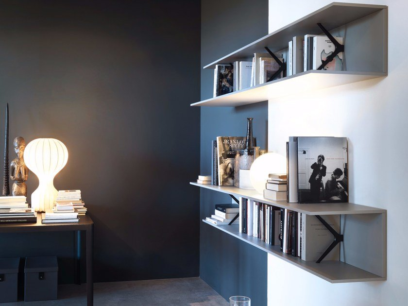 Die cast aluminium bookcase / wall shelf MIMÌ - Lema