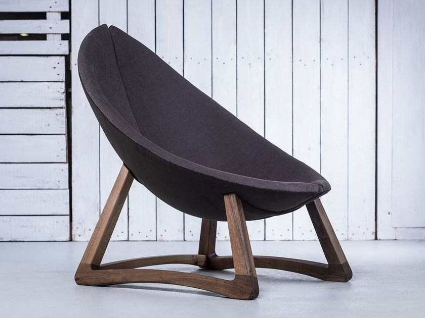 Sled base fabric armchair MINAS - HOOKL und STOOL