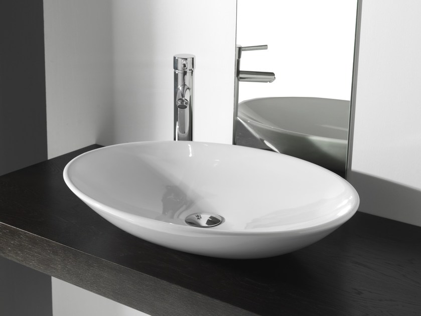 Contemporary style oval washbasin MODERN SANITARY WARE | Oval washbasin - BLEU PROVENCE